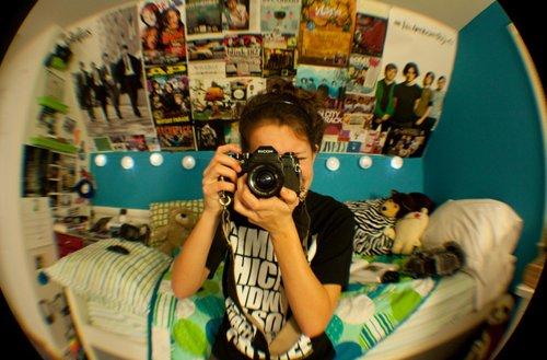 bedroom-fish-eye-girl-photography-poster-Favim.com-261890